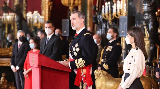 """Felipe VI destaca el """"enorme prestigio"""" de la Legión como """"vanguardia"""" militar"""
