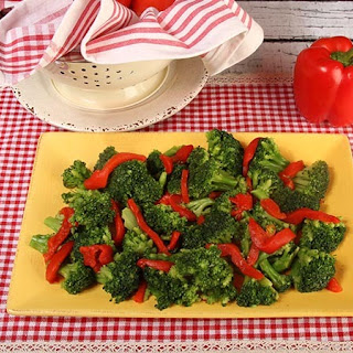 Steamed Broccoli with Roasted Peppers Recipe