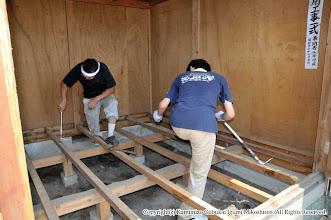 Photo: 【平成20年(2008) 宵々宮】  神輿奉安殿も床の張り替えを実施。