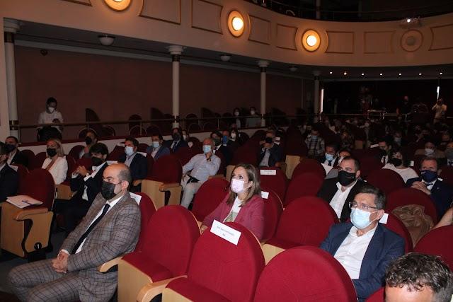El Teatro Apolo acogió el acto institucional conmemorativo del 25º aniversario.