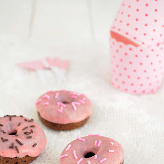 Strawberry and Chocolate Mini Donut (baked).