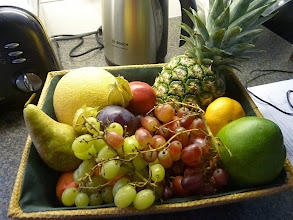 Photo: Fruit for the patient.Thanks!