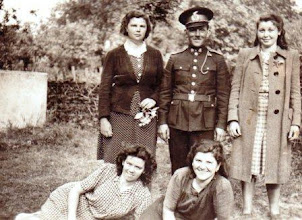 Photo: Szabó Margit,Bödők Vilmos tűzoltóparancsnok.,Szalai Ilonka Nagy Irma, Bödők Etus 1940-