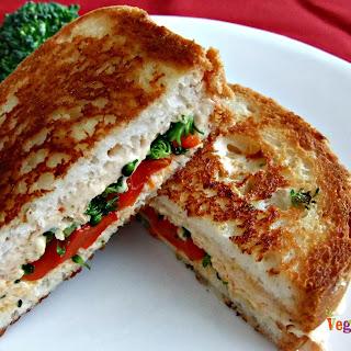 Grilled Red Pepper and Broccoli Sandwich – #glutenfree #vegan #singleserve