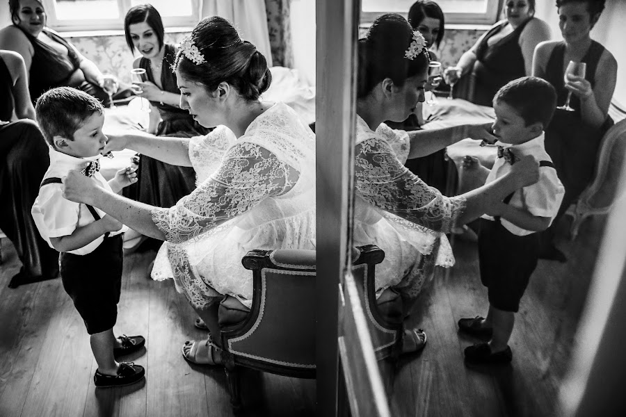 Wedding photographer Julien Laurent-Georges (photocamex). Photo of 17.02.2020