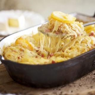 Cremiger Kartoffelauflauf mit Raclette
