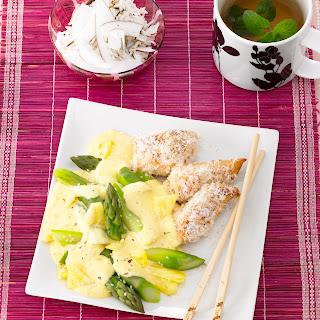 Kokos-Hähnchen mit grünem Spargel und Ananas-Hollandaise