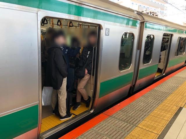 武蔵小杉駅に埼京線の電車が
