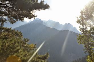 Photo: slnkom presvietený masív Monte d´Oro, fotené z kepmu