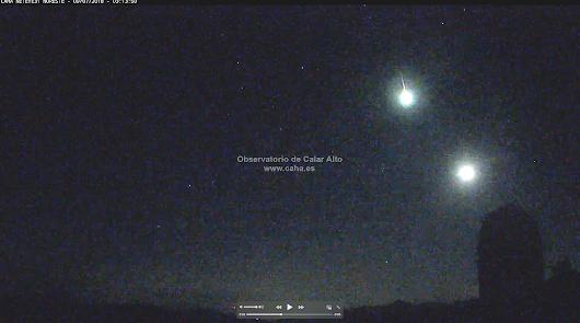 Una bola de fuego recorre el sur de la Península desde Almería