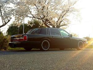 タウンカー  97年式 のカスタム事例画像 97 Lincoln  Town Carさんの2018年04月01日00:47の投稿