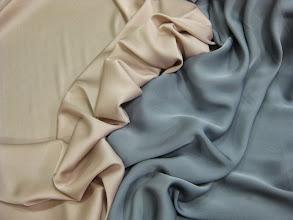 Photo: Ткань: Шармюз стрейч натуральный шелк ш.140см. цена 3300руб.