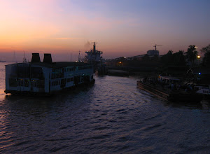 Photo: The ferry boat between Yangon and Dala, arriving at Yangon jetty