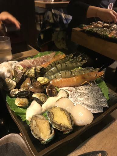 海鮮新鮮澎湃 不過飲料非常弱 但如果對海鮮沒興趣者 就不建議了