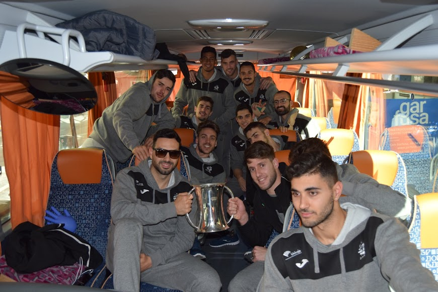 LA VOZ se ha colado en el bus de Unicaja.