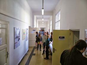Photo: Na chodbě visela výstava a bylo možné zajít také...