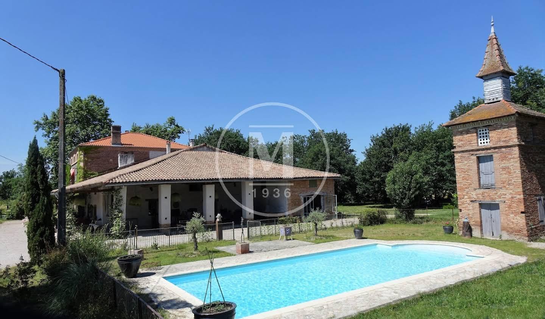 Maison avec piscine et terrasse Nègrepelisse