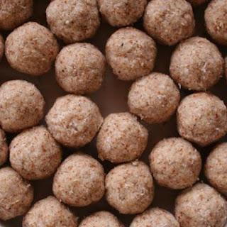 Raw Hazelnut Cookies