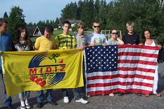 Photo: Не грех сняться с флагами спонсоров...