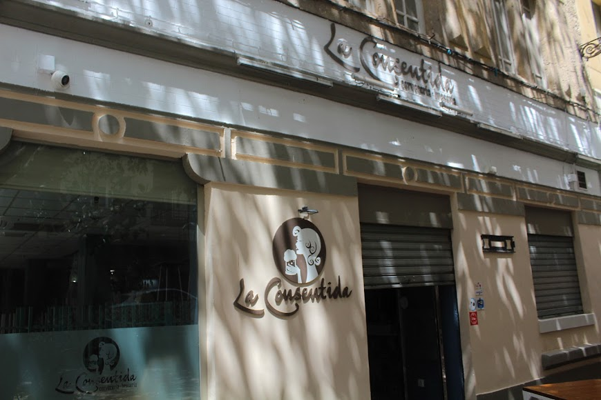 Cervecería La Consentida, ubicada en la Plaza de los Aparejadores.