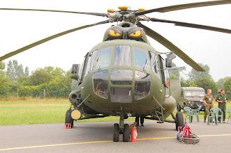 """Photo: Mi-17 z domalowanymi """"oczami"""" nad kabiną"""