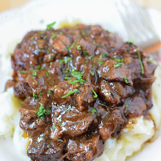 Slow Cooker Sirloin Beef Tips in Mushroom Gravy!.