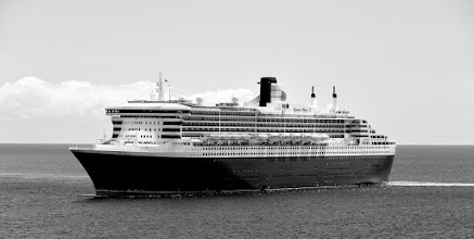 Photo: Queen Mary 2, Osterinsel, Chile