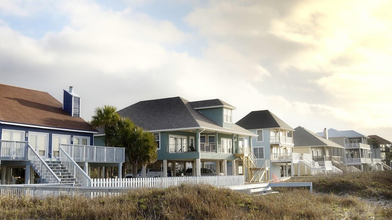Watch Beachfront Bargain Hunt: Renovation live