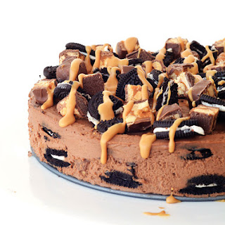 Snickers Peanut Butter Chocolate Oreo Icebox Cake.