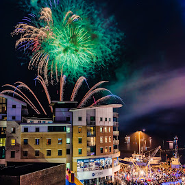 November 5th/2 by Roy Hornyak - City,  Street & Park  Skylines ( trails, fireworks, crowds, gold, red, high, road, bang, lit, street, up, darkness, sky, van, green, fantail, night, restaurant, smoke, quay, windows, people, shoes, coast, blue, buildings, fun, flash, colours,  )