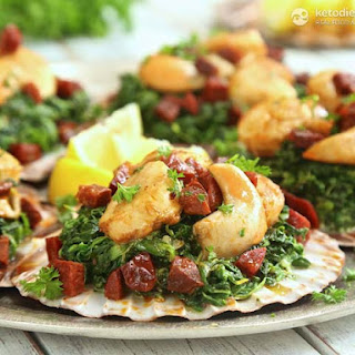 Scallops with Creamed Spinach & Chorizo