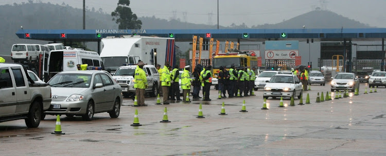 File photo of traffic officers at the Mariannhill Toll Plaza in KwaZulu-Natal.