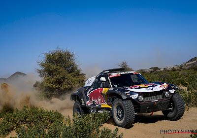 Sainz rijdt naar de leiding in de Dakar en Colsoul kampt met lekke banden, Brabec rijdt verloren bij de motoren
