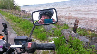 Photo: Hey look I can take a picture of myself in my (dirty) mirror!