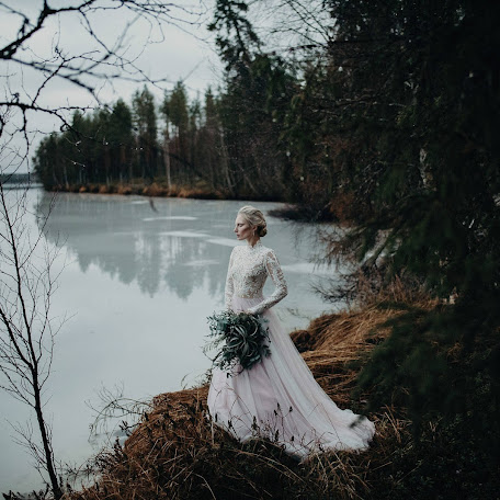 Wedding photographer Jere Satamo (jeresatamo). Photo of 22.11.2017