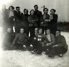 Photo: Op het ijs  - 1956