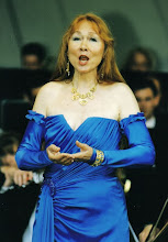 Photo: Ortrun Wenkel  Operngala auf der Loreley, Rheingold-Erda Dirigent Helge Dorsch