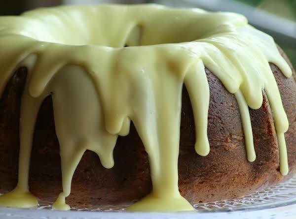 Easy Moist Lemon Poppy Seed Bundt Cake