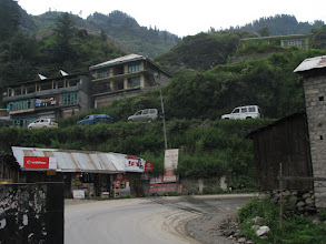 Photo: At 8am road to Rohtang was full of all kinds of vehicles