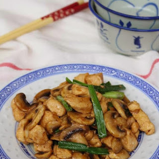 Chinese Takeaway-style chicken with mushrooms.