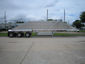 "Photo: Wave tri axle with 61"" spacings, 10' 2"" overall spread"