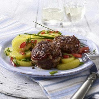 Kartoffelsalat mit Schnittlauch-Marinade zum Hackmedaillon
