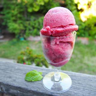 Strawberry Mint Sorbet (without ice cream machine)