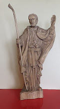 Photo: Figurka św. Andrzeja Boboli rzeźbiona w drewnie, wykonana przez artystę ludowego Wiesława Krakowskiego w okolicach Strzegomia na Dolnym Śląsku. Sygnowana od spodu literami K W. Wysokość ok. 32 cm plus kostur. (wiosna, 2016)