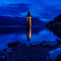 Reschensee by night di