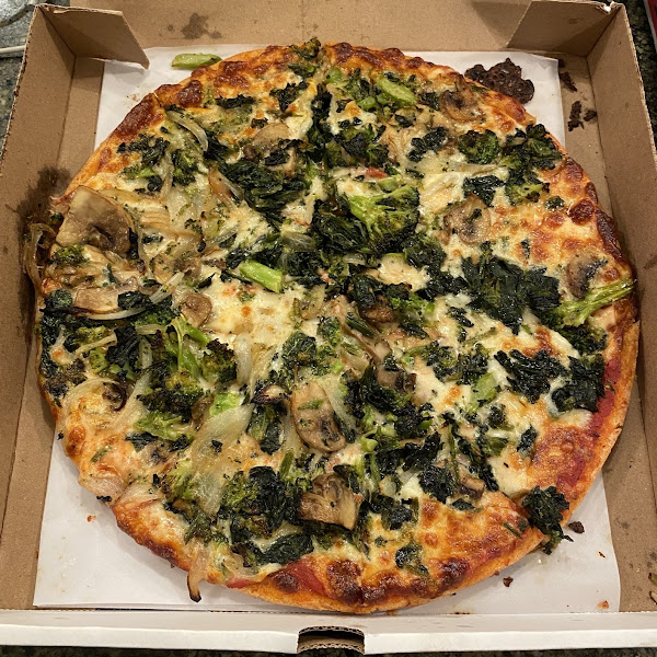 Gluten free vegetable pizza