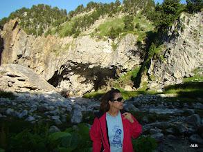 Photo: Frente a la cueva.
