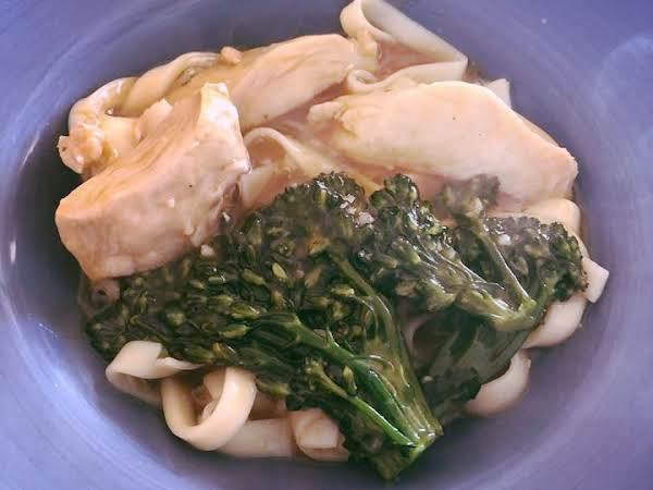 Rad Na Thai Chinese Chicken & Noodles In Gravy Recipe