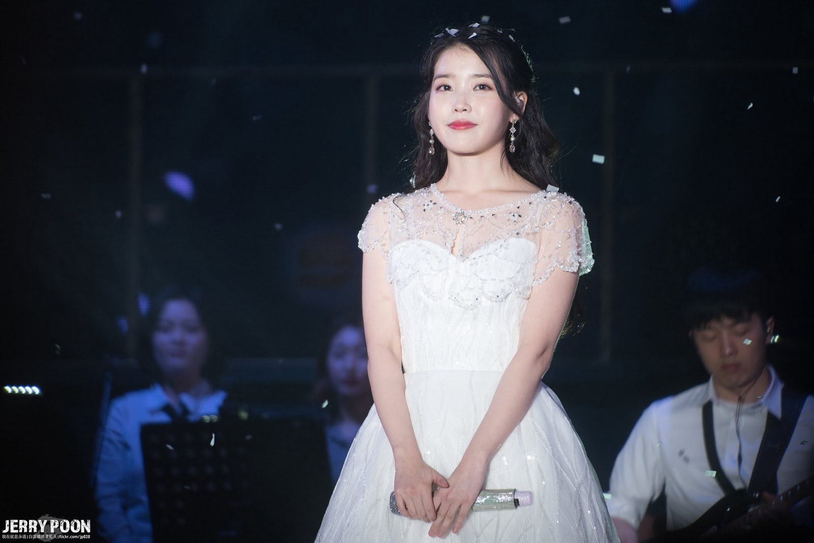 iuwhitegowns_10th anniversary concert 2018 b