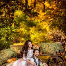 Wedding photographer Parinova Viktoriya (ParinovaViktoria). Photo of 04.10.2016
